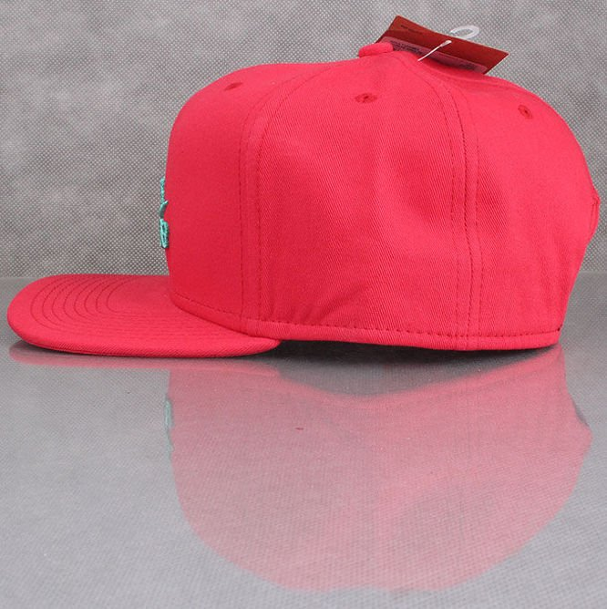 CZAPKA NIKE SB Icon Snapback Hat Hyper Red / Crystal Mint